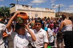 Traída del agua infantil en Lomo Magullo