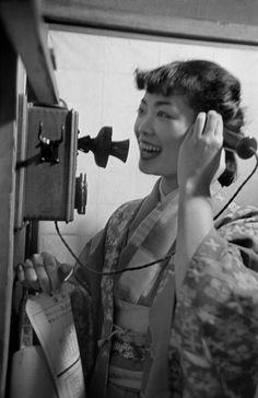 1951.........JINUMA MICHIKO.......A FASHION STUDENT.............TOKYO............PHOTO BY WERNER BISCHOF.........SOURCE TAISHOU - KUN.TUMBLR.COM.......