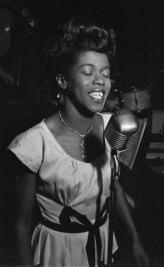 Sarah Vaughan photographed by William Gottlieb.