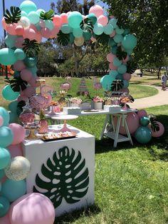 Bizzie Bee Creations 's Birthday / Flamingo - Photo Gallery at Catch My Party Hawaiian Birthday, Flamingo Birthday, Luau Birthday, Flamingo Party, Summer Party Decorations, Balloon Decorations, Birthday Party Decorations, Flamingo Baby Shower, 13th Birthday Parties