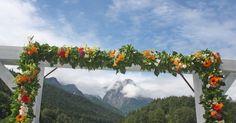 Sommerblumen-Hochzeit auf der Bergwiese