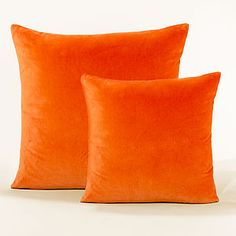 After a month of looking at pics on Pinterest, one thing is certain:  if it's got orange pillows, it will catch my eye.