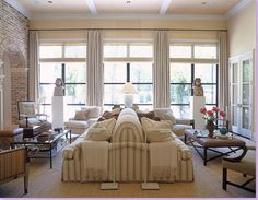 Double the Comfort in a Texas Living Room Texas Living Rooms, Living Spaces, Furniture Layout, Furniture Styles, Custom Furniture, Furniture Ideas, Living Room Flooring, Living Room Furniture, Chinoiserie
