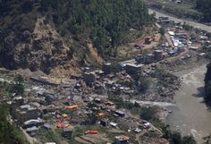 R/25/2016 NEPAL: Landslide In Nepal Causes Thousands To Flee: Residents of Ramche Village in Myagdi District were forced to flee their homes on Sunday, following a massive landslide which made the water levels of the Kali Gandaki River rise a reported 600 ft.