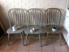 Annie Sloan chalk paint. Kitchen table refinish.  French linen 2 coats Clear wAx Dark wax