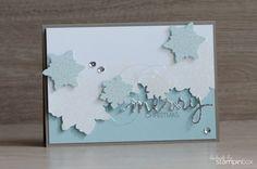 Die Grußkarte Flockenzauber mit einigen Schneeflocken aus dem gleichnamigen Stempelset in der Farbkombination Aquamarin, Taupe, Flüsterweiß und Silber. #stampinup