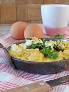 Een frittata met lekker veel groente, die in nog geen half uur op tafel staat. Ideaal gezinsrecept voor drukke doordeweekse dagen