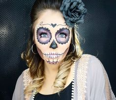 48 Best Sugar Skull Makeup Creations To Win Halloween Halloween Makeup Sugar Skull, Sugar Skull Costume, Sugar Skull Makeup, Halloween Makeup Looks, Halloween Looks, Halloween Skull, Vintage Halloween, Halloween Costumes, Halloween Skeletons