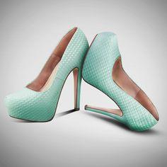 #zapatillas #colormenta #shoes #heells #textura #fashion #chic #PriceShoes #lamodamasdeseada    Cómpralas aquí ►http://tiendaenlinea.priceshoes.com/