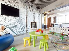 Located in Rome's business district, the ibis Styles Roma EUR hotel is just 15 minutes walk from the EUR Palasport metro stop, with direct connections to the Colosseum, and offers a gastronomic restaurant, spacious air-conditioned rooms and a hearty breakfast.