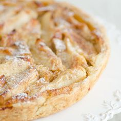 Apple pie with puff pastry Apple Recipes, Baking Recipes, Sweet Recipes, Cake Recipes, Dessert Recipes, Cookie Desserts, No Bake Desserts, Skinny Cookies, Pie Co