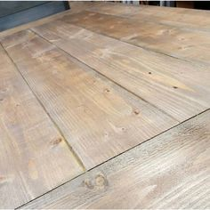 Weatherwash Rusted is a water-based aging wash that turns different wood a warm weathered brown with gray tones. Apply to raw wood to easily achieve the look of vintage pine or fir. Stain On Pine, Oak Stain, Grey Stain, Paint Stain, White Wash Stain, Weathered Wood Stain, Driftwood Stain, Pine Table, A Table