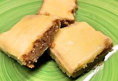 Saftig banan och morotskaka i långpanna med färskostglasyr – Kryddburken