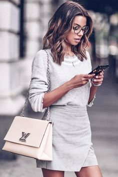 How to work smarter not harder as a girl boss - Spring Work Outfits Best Business Casual Outfits, Casual Work Outfits, Work Casual, Work Attire, Casual Office, Classic Outfits, Office Wear, Chic Outfits, Spring Work Outfits