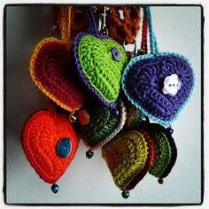 Karin aan de haak: #haken, gratis patroon, Nederlands, hart, sleutelhanger, tashanger, decoratie, #haakpatroon