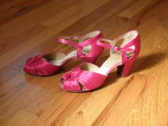 Emily's Vintage Visions: Sunday Shoe Spectacle - Notes on Evening Shoes