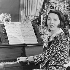 Colleen Moore  One of the Most Fashionable Stars of the Silent Film Era #cupfuloftrinkets #colleenmoore #actress #hollywood #hollywoodgreats #oldhollywood #classichollywood #classic #icon #blackandwhite #picture #portrait #pinup #vintagehair #vintagefashion #vintagemakeup #vintagehome #homedecor #piano #silentsiren #silentera #artdeco #piano #christmas #carols #sheetmusic #singing #music #festive #silverscreen by cupfuloftrinkets