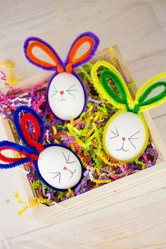 Παίζουμε μαζί: Πασχαλινές κατασκευές. Όμορφα πασχαλινά αυγά κουνελάκια!