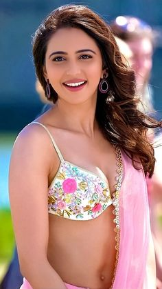 Today we have brought for you Rakul Preet Singh hot and sexy images and these photos are completely adorable. South Indian Actress Photo, Bollywood Actress Hot Photos, Indian Actress Hot Pics, Beautiful Bollywood Actress, Beautiful Actresses, Beautiful Girl Indian, Most Beautiful Indian Actress, Beautiful Beautiful, Cristiano Ronaldo