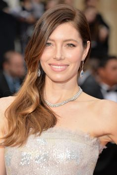 At last night's Academy Awards ceremony #ckonecolor Global Makeup Artist Kayleen McAdams gave actress Jessica Biel a fresh, light and feminine look inspired by the pastel colors in her Chanel Couture gown. ck one color can only be found at ULTA!