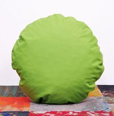 okrągła poduszka dekoracyjna PILLS light green