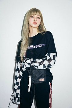 See new photos and videos of BLACKPINK Lisa for X-girl Japan x NONAGON collaboration collection, available on September 2018 Kim Jennie, Jenny Kim, Blackpink Lisa, Blackpink Fashion, Korean Fashion, Lisa Blackpink Wallpaper, Black Pink, Kim Jisoo, Blackpink Photos
