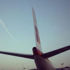 Iberia Airbus A340-600 tail @abraham_valerio
