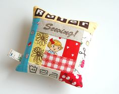 CUTE log cabin pincushions... lots of pictures of different fabrics used