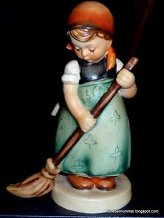 "Hummel Figurine ""Little Sweeper"""