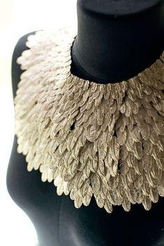 Parurier Desrues : maillon indispensable de l'accessoire Chanel -