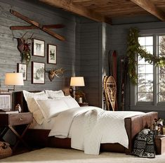 Best 10 Extremely Cozy and Gorgeous Log Cabin Style Home Interior Design 8 Lodge Bedroom, Rustic Master Bedroom, Home Decor Bedroom, Modern Bedroom, Bedroom Ideas, Trendy Bedroom, Bedroom Furniture, Mountain Bedroom, Cabin Furniture