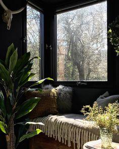 black nook window seat