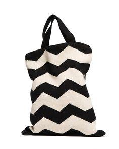 Black and white zig zag tote Chevron Bags 2ce4bb44c4784