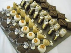 Sweet Bar, Small Cake, Mini Cakes, Christmas Baking, Afternoon Tea, Chocolate Chip Cookies, Catering, Buffet, Cake Recipes