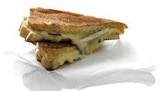 Zo maak je de perfecte tosti Toffee, Salad Recipes, Biscuits, Sandwiches, Lunch, Bread, Desserts, Om, Salt Water Taffy
