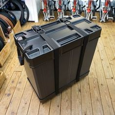 Foldon Box(BROMPTON用折りたたみハードケース) Brompton, Bike Accessories, Design Reference, Outdoor Decor, Porn, Wheels, Tools, Home Decor, Weapons Guns