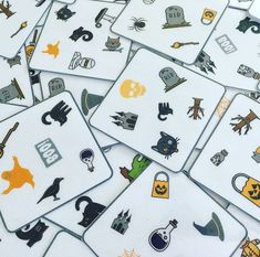 Halloween find it game to print ! Halloween find it g. - Activite Manuelle Noel Primaire - Hollowen Halloween find it game to print ! Halloween find it g. Theme Halloween, Halloween Games, Diy Confetti, It Game, Easy Christmas Crafts, Prints, Bomb Shelter, Jouer, Counseling