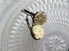 Cream Quilled Earrings  Cream and Bronze by SmittenKittenLoves, €12.00