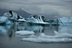 floating icebergs Iceland