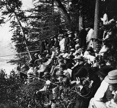 Blondin Walked Across Niagara Falls By Tightrope: Spectators Watched Blondin