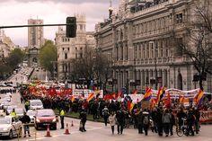 14 de abril de 2012: Por la tarde, con el habitual recorrido Cibeles - Sol, se celebra la Manifestación por la República...