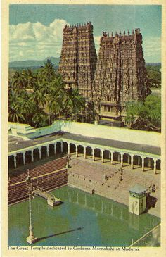 Madurai Meenakshi Temple Vintage postcard printed by Ministry of Information & Broadcasting, Government of India. Indian Temple Architecture, Ancient Architecture, Beautiful Architecture, Temple India, Hindu Temple, Kerala, India Facts, Rural India, Om Namah Shivaya