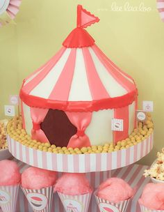 one of my favorite things about cakes and cupcakes is, you can make them into whatever you want them to be; even a circus!