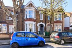 2 bed flat for sale £350,000 Guide price  Neville Road, London E7