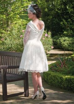 Wedding dress short numbers are becoming more and more in vogue