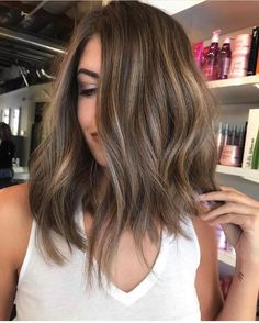Long Wavy Ash-Brown Balayage - 20 Light Brown Hair Color Ideas for Your New Look - The Trending Hairstyle Brown Hair Balayage, Hair Color Balayage, Hair Highlights, Brown Hair Shades, Brown Hair Colors, Ombre Hair Color, Brunette Hair, Brunette Balayage Hair Short, Hair Looks
