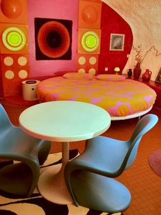 23 Ideas Vintage Interior Design Retro Space Age For 2019 70s Furniture, Furniture Outlet, Discount Furniture, Furniture Movers, Office Furniture, Casa Pop, Design Lounge, Design Design, Estilo Interior