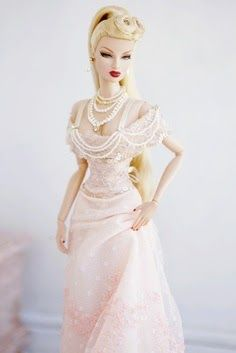 Elegant Barbie~Via Clara Lo Barbie Gowns, Barbie Dress, Barbie Clothes, Barbie Outfits, Fashion Royalty Dolls, Fashion Dolls, Barbie Wedding, Bride Dolls, Estilo Retro