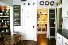 DIY Show Off Kitchen Makeover-Farmhouse Kitchen....I luv this kitchen makeover!!!