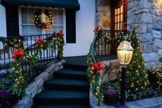 Christmas Porch Decorations - Christmas Lights, Etc Outdoor Christmas Garland, Christmas Stairs Decorations, Christmas Staircase, Christmas Greenery, Decorating With Christmas Lights, Christmas Porch, Porch Decorating, Light Decorations, Decorating Ideas